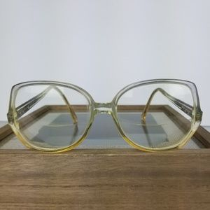 6f112c621e97 Vintage Oversized Clear   Yellow Eyeglasses